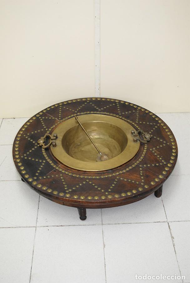 BRASERO ANTIGUO CON TARIMA DE MADERA (Antigüedades - Técnicas - Rústicas - Utensilios del Hogar)