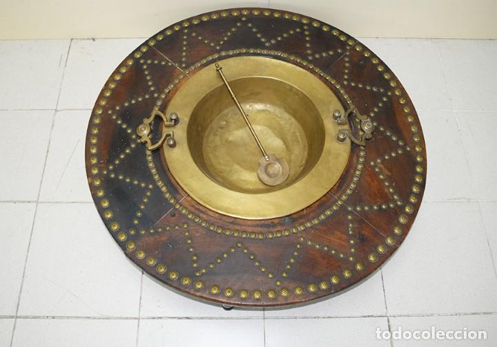 Antigüedades: BRASERO ANTIGUO CON TARIMA DE MADERA - Foto 3 - 218779387
