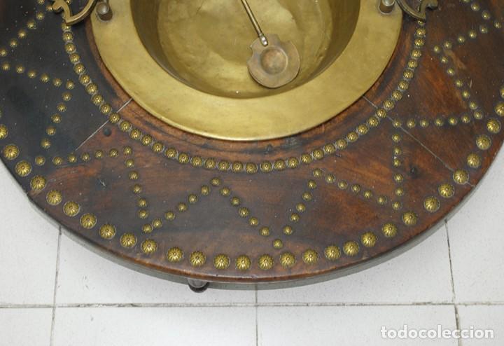 Antigüedades: BRASERO ANTIGUO CON TARIMA DE MADERA - Foto 4 - 218779387