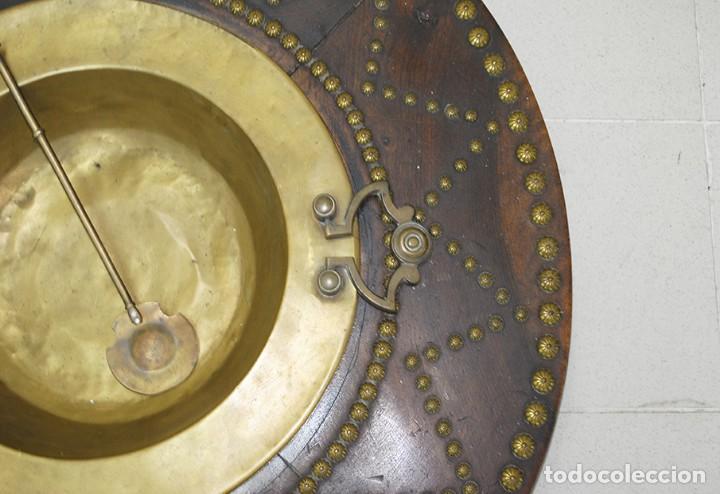 Antigüedades: BRASERO ANTIGUO CON TARIMA DE MADERA - Foto 5 - 218779387