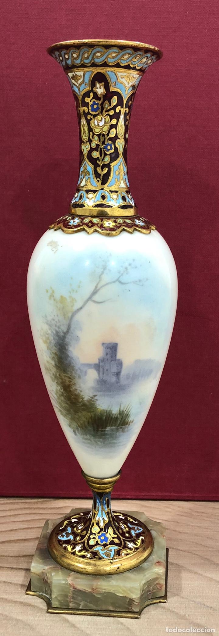 Antigüedades: Precioso Jarron de porcelana de Sevres, y cloissone. Napoleon III - Foto 2 - 218828713