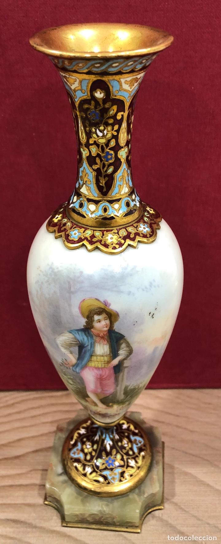 Antigüedades: Precioso Jarron de porcelana de Sevres, y cloissone. Napoleon III - Foto 3 - 218828713