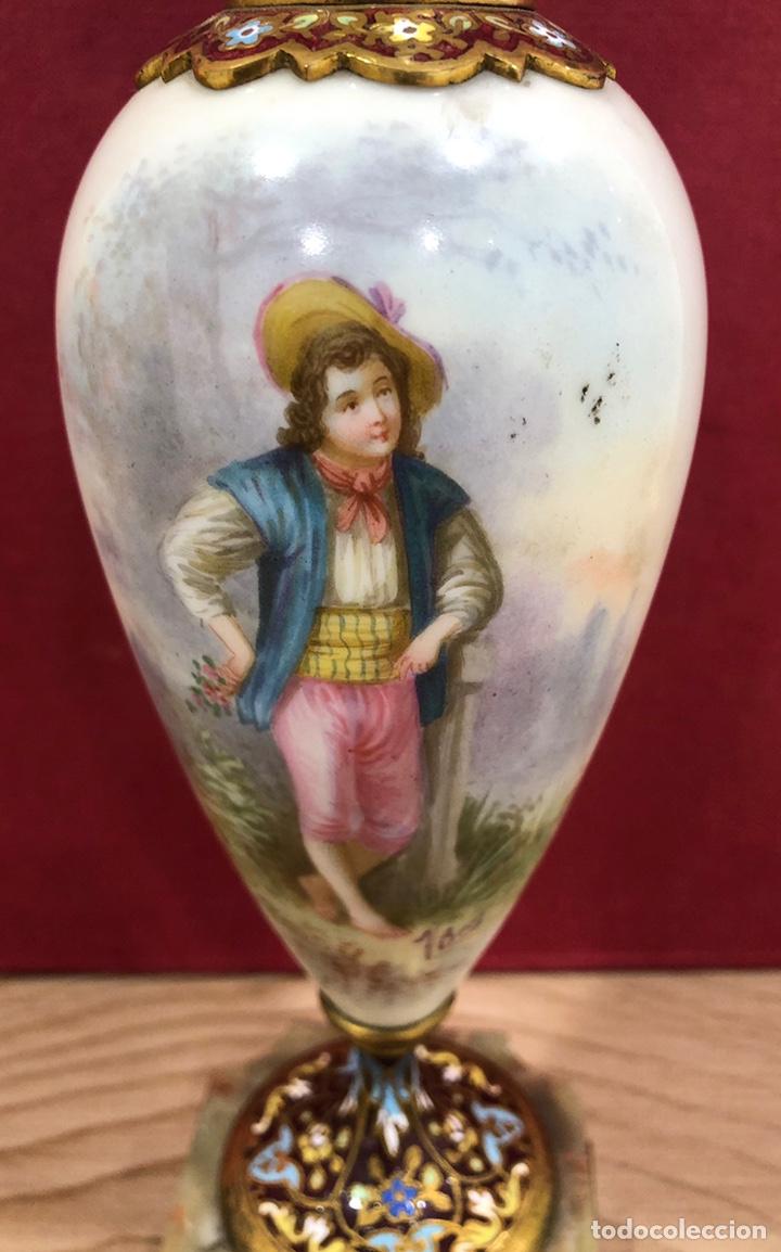 Antigüedades: Precioso Jarron de porcelana de Sevres, y cloissone. Napoleon III - Foto 5 - 218828713