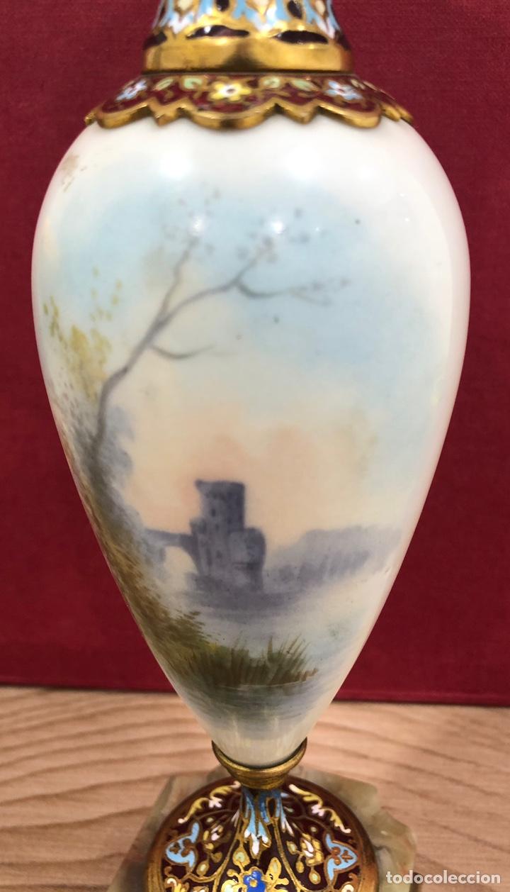Antigüedades: Precioso Jarron de porcelana de Sevres, y cloissone. Napoleon III - Foto 7 - 218828713