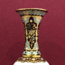 Antigüedades: PRECIOSO JARRON DE PORCELANA DE SEVRES, Y CLOISSONE. NAPOLEON III. Lote 218828713