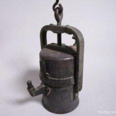 Antigüedades: ANTIGUA LAMPARA DE MINERO MINERÍA MINA HIERRO SIGLO XVIII 22 Y 39 CM ALTURA. Lote 218847668