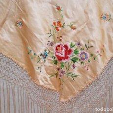 Antigüedades: PEQUEÑO MANTON AÑOS 40 ROSA. Lote 218864666
