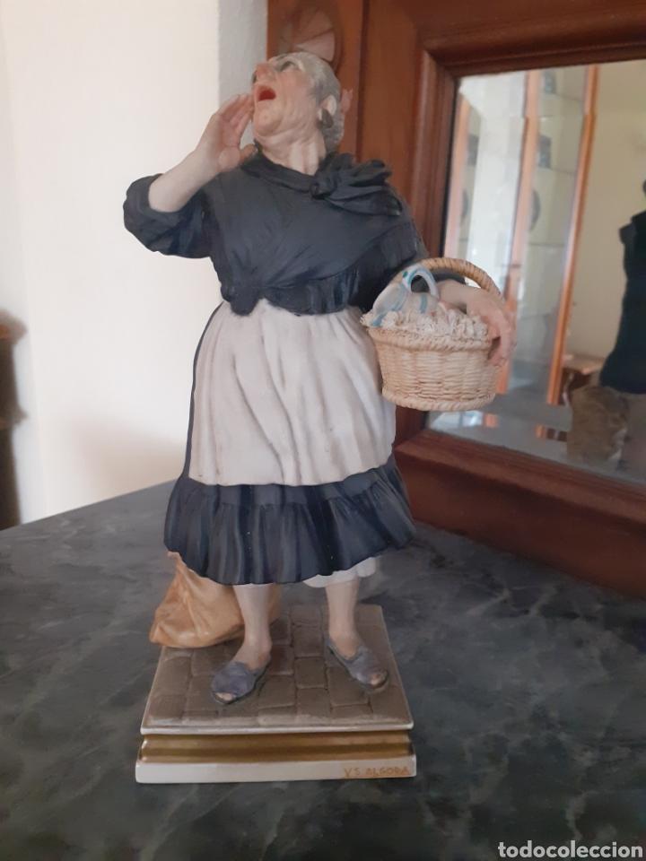 FIGURA DE ALGORA - VENDEDORA DE CACHARROS (Antigüedades - Porcelanas y Cerámicas - Algora)
