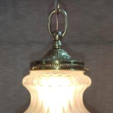 Antigüedades: MAGNIFICA LAMPARA MODERNISTA GLOBO, FAROL, VIDRIO Y BRONCE. Lote 218872743