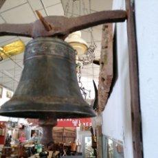 Antigüedades: CAMPANA ANTIGUA LABRADA. Lote 218878406