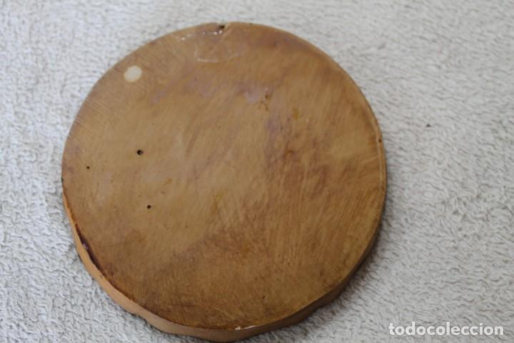 Antigüedades: PLATO ENRELIEVE AINSA PARA COLGAR - Foto 4 - 218958133