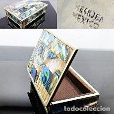 Antigüedades: MEXICO - CAJA O JOYERO VINTAGE COMPLETO DE MADREPERLA ABALÓN NATURAL Y PLATA - MARCAS Y PUNZONES. Lote 219000171