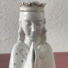 Antigüedades: VIRGEN MARIA DE PORCELANA VIDRIADA. VER FOTOS ANEXAS.. Lote 219053366