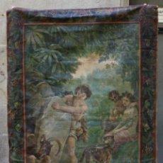 Antigüedades: TAPIZ PINTADO, ESCENA MITOLÓGICA, FAUNO, NINFA Y NIÑO. 166X116CM. Lote 219056383