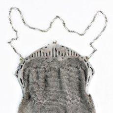 Antigüedades: BOLSO DE MALLA PLATA ART NOUVEAU. CA 1890 - A SILVER MESH EVENING ART NOUVEAU PURSE BAG. Lote 219084818