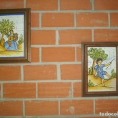 Antigüedades: PAREJA DE AZULEJOS ENMARCADOS PINTADOS A MANO MARCO DE MADERA. Lote 219122287