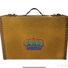 Antigüedades: MALETA CON CORONA ELEGANTE, DE MADERA, IMPECABLE, 44 X 32 X 14. Lote 219027145