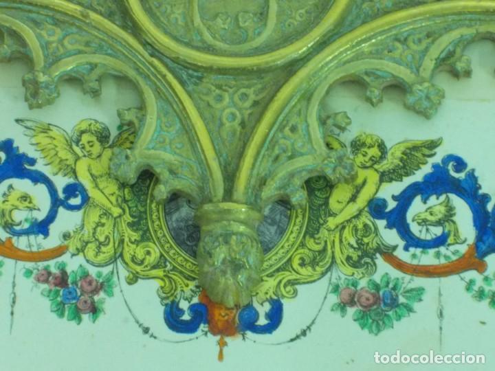 Antigüedades: ANTIGUO MARCO DE BRONCE PARA SACRAS DE ESTILO NEOGOTICO CON GRABADO ILUMINADO - Foto 10 - 219149597