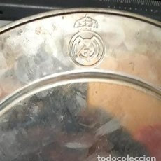 Antigüedades: BANDEJA METALICA REAL MADRID.. Lote 219194017