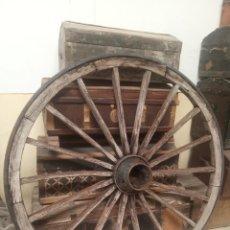 Antigüedades: ENORME RUEDA DE CARRO DE 150 CM. DE DIÁMETRO. 18 RADIOS DE MADERA. ARO DE HIERRO MACIZO. SIGLO XIX. Lote 219218270