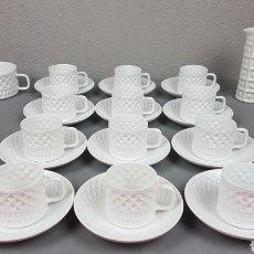 Antigüedades: LOTE DE 12 TAZAS DE CAFE CON SUS PLATOS DE PORCELANA CASTRO SARGADELOS DOLMEN AÑOS 70.. Lote 219300073