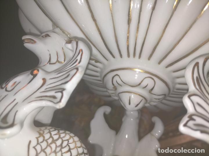 Antigüedades: ceramica baño filos oro , centro de mesa frutero, para reparar patas pegadas 27 x 18,2 - Foto 22 - 219313695