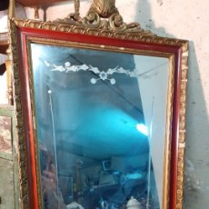 Antigüedades: ESPEJO ANTIGUO CRISTAL BISELADO GRABADO. Lote 219333713