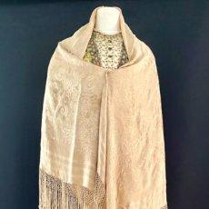 Antigüedades: MANTÓN BEIGE - SEDA NATURAL BROCADA - S. XIX - XX. Lote 219360511
