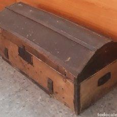 Antigüedades: ANTIGUO COFRE-BAUL. Lote 219370150