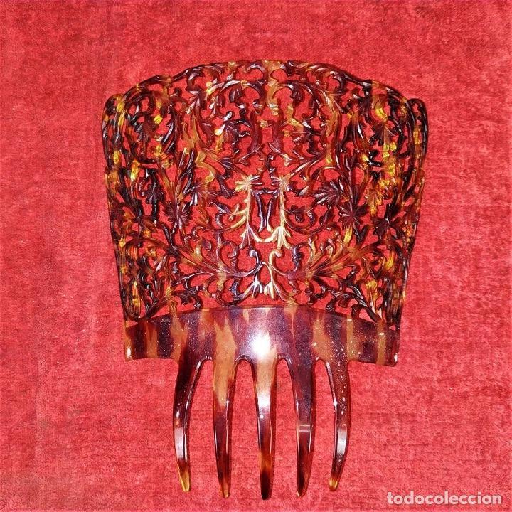 Antigüedades: PEINETA PARA DAMA. CELULOIDE TALLADO A MANO. ESPAÑA. SIGLO XIX-XX - Foto 2 - 219385291