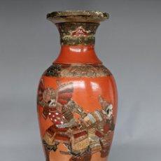 Antiguidades: JARRÓN JAPONÉS ANTIGUO KYOTO SATSUMA, FINALES XIX, GUERREROS SAMURÁI, 45 CM. Lote 219485265