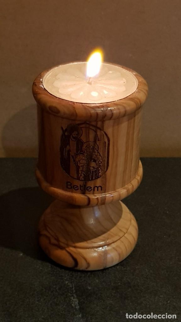Antigüedades: PORTAVELAS EN MADERA DE OLIVO / REAL OLIVE WOOD / MADE IN BETHLEHEM / 8 CM ALTO. / PERFECTO. - Foto 3 - 219486766