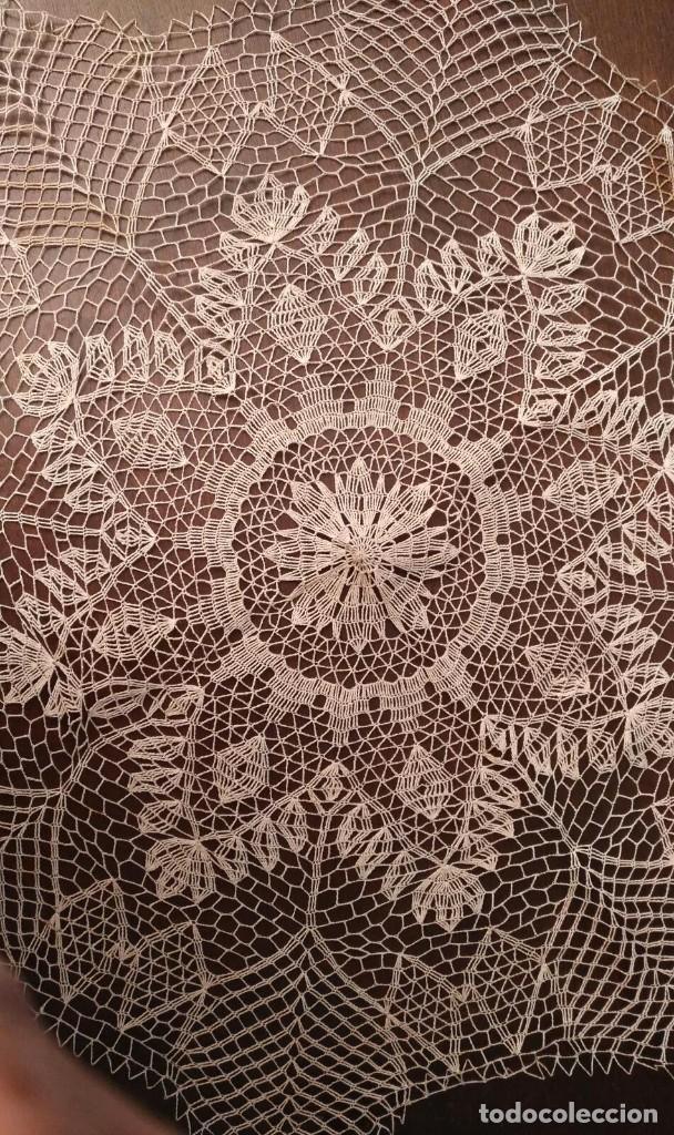 Antigüedades: Tp 42 Tapete grande beige y octogonal - Diagonal 67/68cm - Buen y bonito trabajo - Foto 3 - 219525093