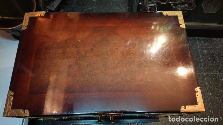 Antigüedades: PRECIOSO MUEBLE MADERA GABINETE / CABINET ORIENTAL CON ASAS 56 ANCHO X 35 CM FONDO X 58 ALTO - Foto 12 - 219595851