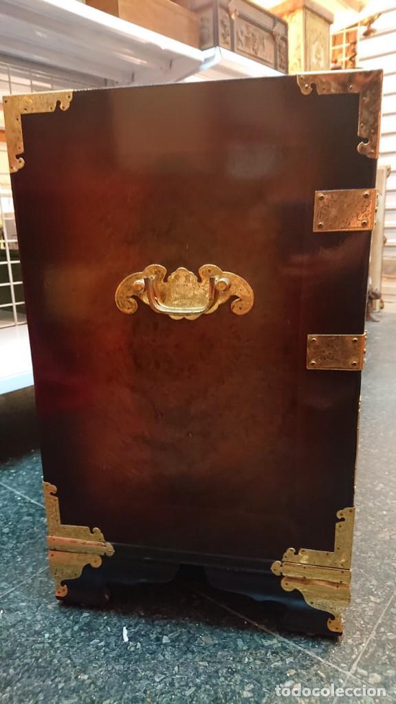 Antigüedades: PRECIOSO MUEBLE MADERA GABINETE / CABINET ORIENTAL CON ASAS 56 ANCHO X 35 CM FONDO X 58 ALTO - Foto 15 - 219595851