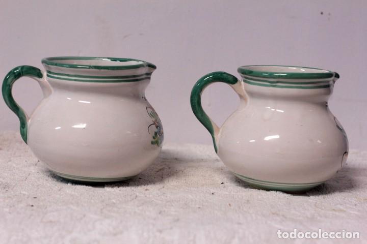 Antigüedades: Pareja de jarras de café y leche, cerámica puente del arzobispo. Firmado J. A. ESCOBAR - Foto 2 - 219598575