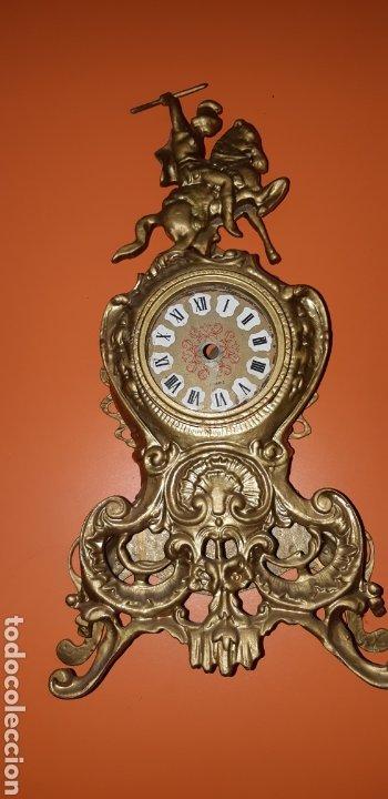 Antigüedades: Conjunto de candelabros y reloj en bronce años 70 - Foto 15 - 212216516