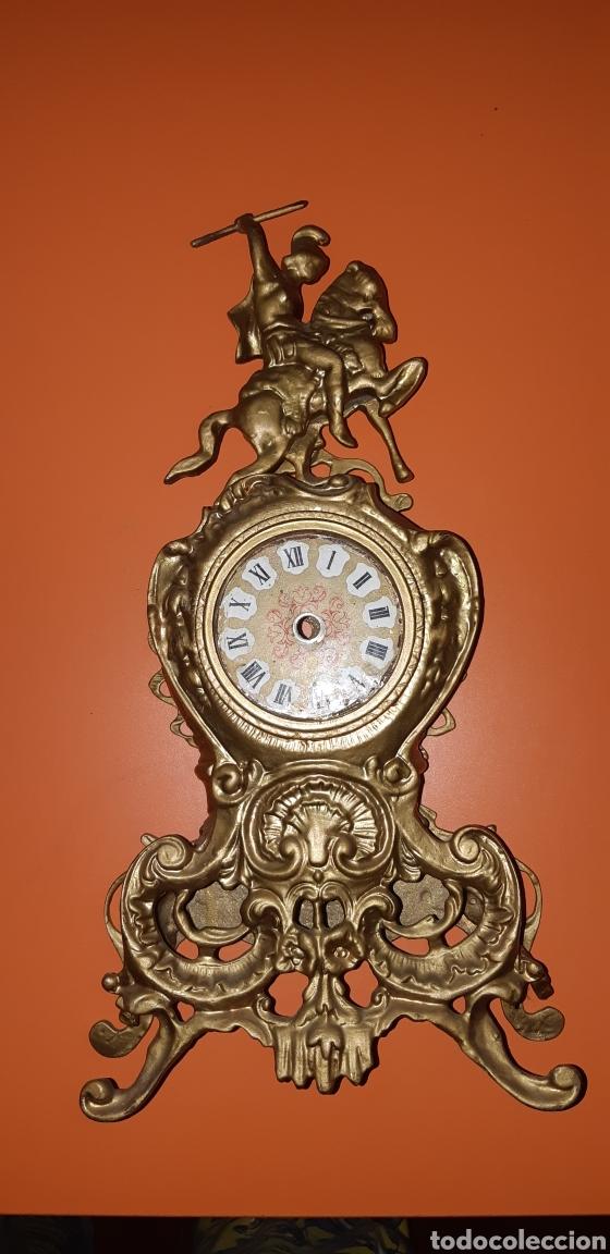 Antigüedades: Conjunto de candelabros y reloj en bronce años 70 - Foto 20 - 212216516