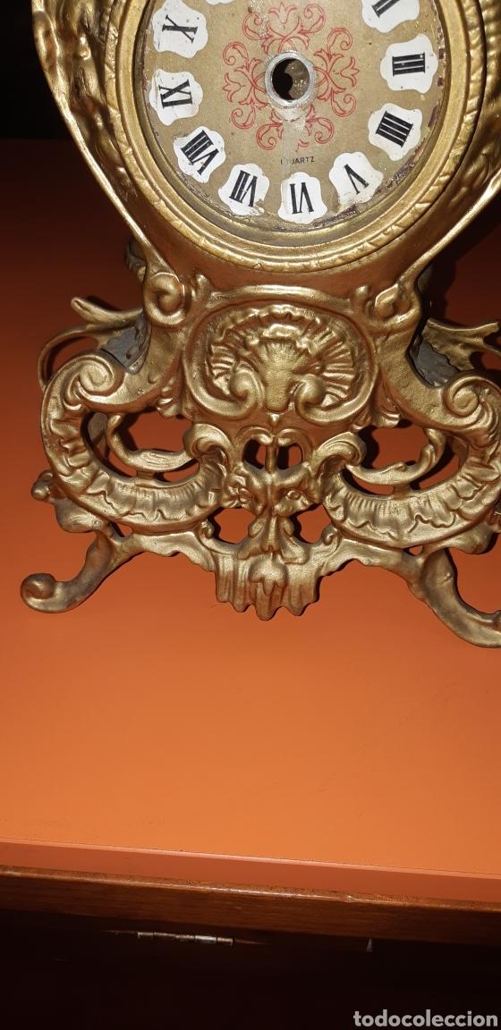 Antigüedades: Conjunto de candelabros y reloj en bronce años 70 - Foto 23 - 212216516