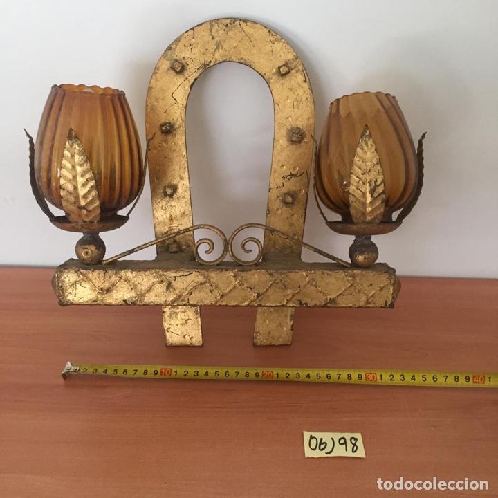 ANTIGUO APLIQUE METÁLICO CON FORMA DE HERRADURA (Antigüedades - Iluminación - Apliques Antiguos)