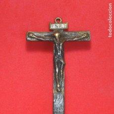 Antigüedades: IMPORTANTE CRUCIFIJO DE BRONCE, SIGLO XVII. CRUZ. Lote 219902227