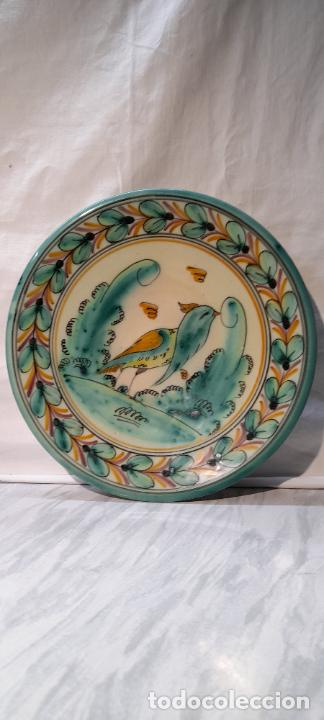 Antigüedades: plato para colgar - ceramica Puente del Arzobispo -- firmado PUENTE J.A - 24cm - Foto 2 - 219986132