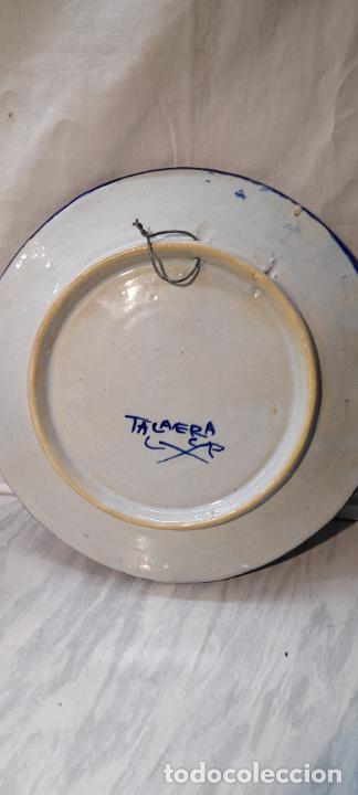 Antigüedades: plato para colgar - ceramica de Talavera -- firmado L.C.P - 25cm - Foto 6 - 219987487