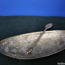 Antigüedades: ANTIGUA BANDEJA DE BRONCE.. Lote 220104932