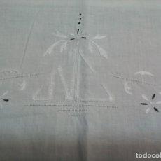 Antigüedades: ** EMBOZO DE SABANA .1,6 M.X1,60 M. (RF:302/*). Lote 220229086