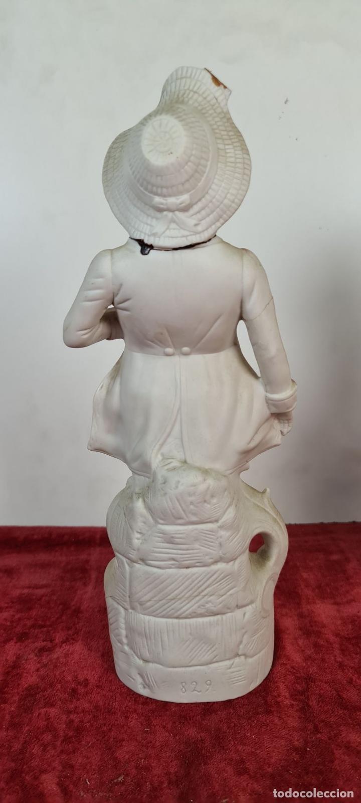 Antigüedades: PAREJA DE JOVENES EN PORCELANA. BISCUIT. PINTADOS A MANO. ALEMANIA. SIGLO XX. - Foto 5 - 220236906