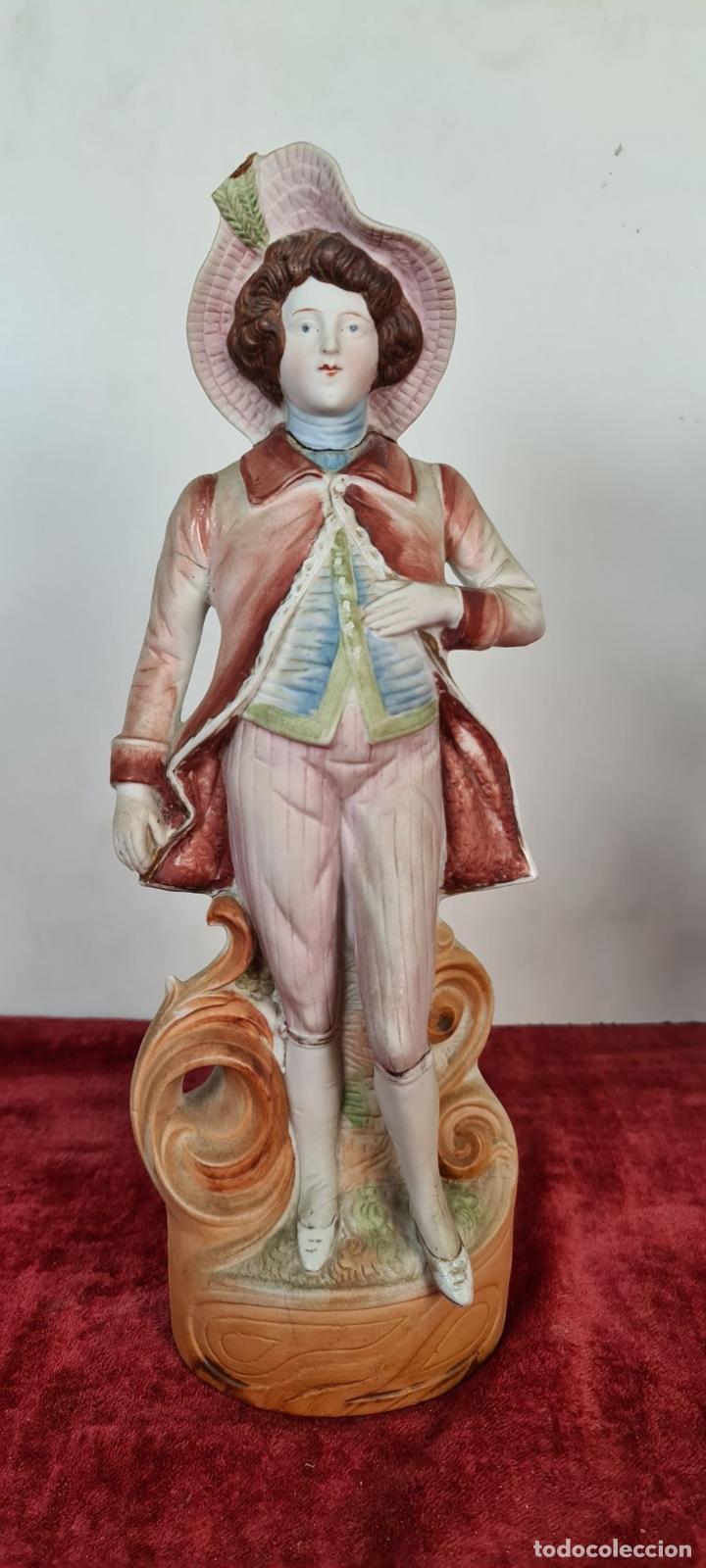 Antigüedades: PAREJA DE JOVENES EN PORCELANA. BISCUIT. PINTADOS A MANO. ALEMANIA. SIGLO XX. - Foto 7 - 220236906