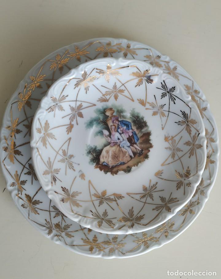 JUEGO DE 7 PLATOS PORCELANA MAH SANTA CLARA VIGO. ESCENA ROMÁNTICA. AÑOS 60 (Antigüedades - Porcelanas y Cerámicas - Santa Clara)