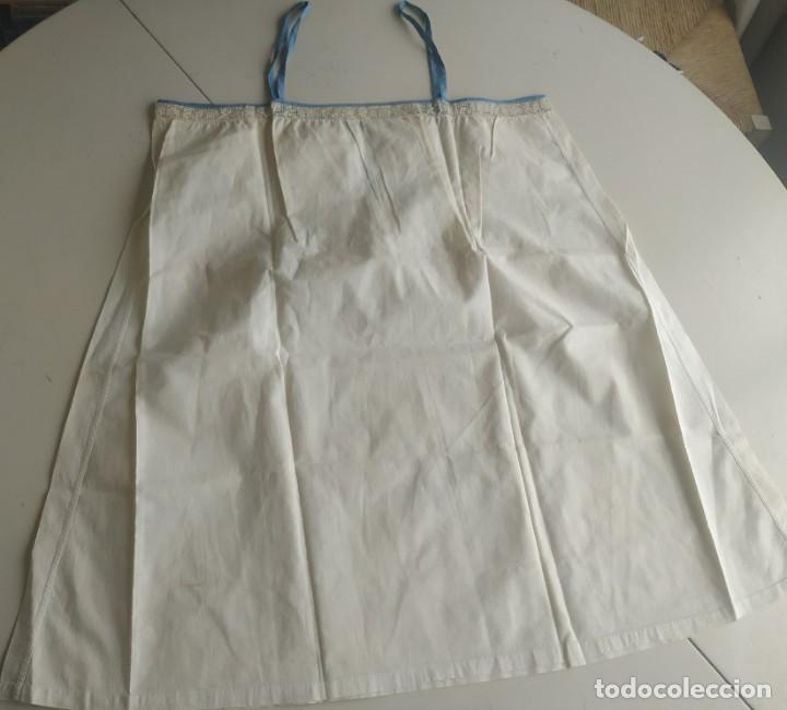 Antigüedades: Lote de dos camisas camisetas interiores de mujer. Algodón. Principios s. XX - Foto 2 - 220298776