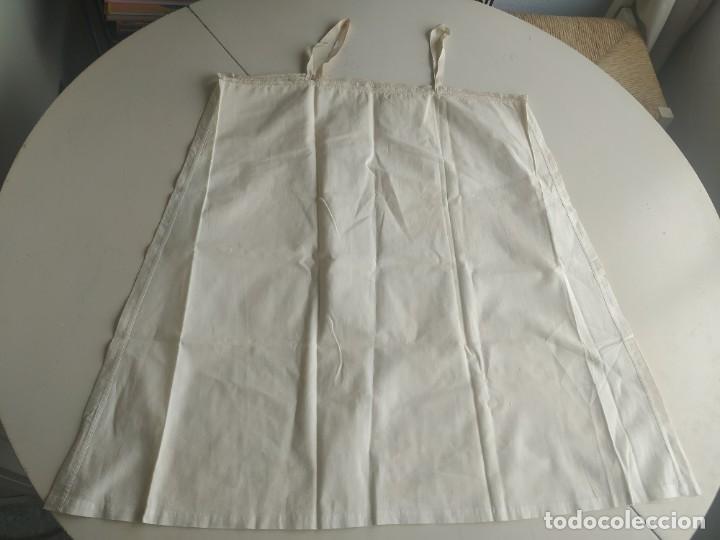 Antigüedades: Lote de dos camisas camisetas interiores de mujer. Algodón. Principios s. XX - Foto 5 - 220298776